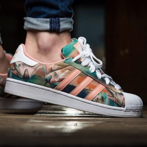 1u36qy-l-610x610-shoes-adidas-floral-color-pastel-summer-style-sneakers-adidas+superstars-pastel+sneakers
