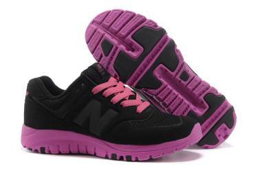 UY256332-2014-Black-Pink-New-Balance-77-Womens